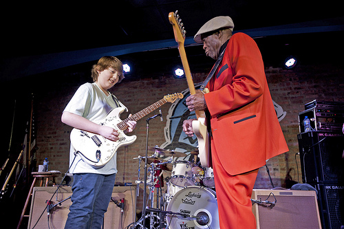 buddy guy and quinn sullivan paint the zeiterion blue new bedford guide. Black Bedroom Furniture Sets. Home Design Ideas