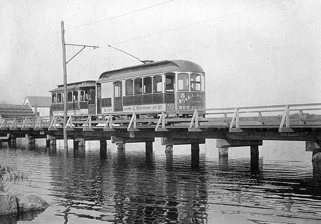 dartmouth westport trolley