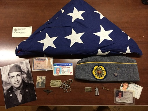 Contents and photo of James Fox items