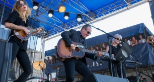 Elvis Costello & Larkin Poe 1
